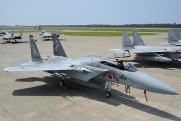 石川県小松基地航空祭2016でブルーインパルスの展示飛行!航空自衛隊のアクロバットショーに大興奮