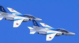 石巻川開き祭りでのブルーインパルスの展示飛行画像