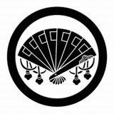 丸に檜扇紋