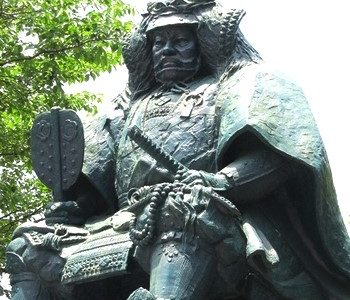 村上義清の家紋と生涯|武田信玄を二度負かした戦国武将