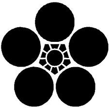 丸に梅鉢紋(梅鉢紋)について解説!由来や意味・種類・戦国武将・有名人まとめ