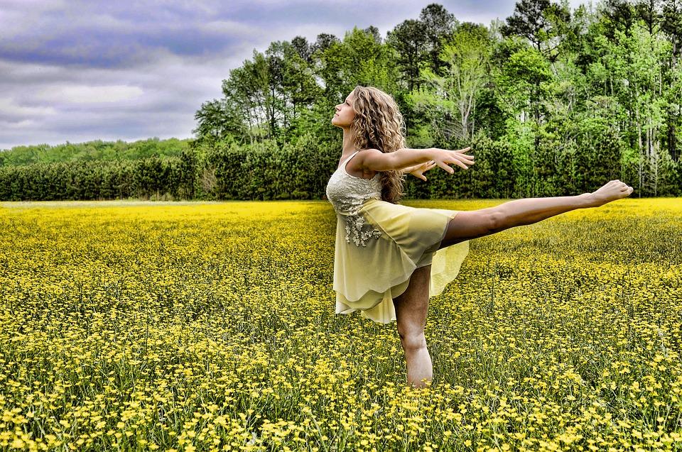 dancer-2093996_960_720