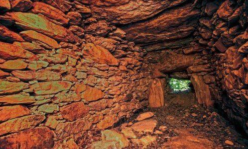 岩屋山古墳(三重)の石室には圧巻の巨大な6枚の天井石が!解説とアクセス・周辺おすすめランチまとめ