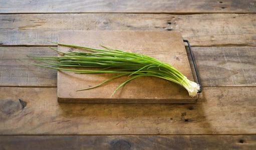 あさつきの冷凍保存方法と大量消費レシピ!球根も生で食べられる?